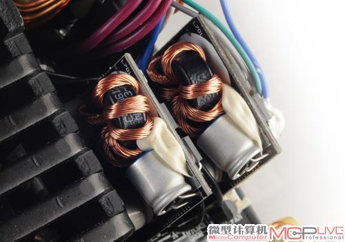 3v采用了dc-dc电路,效率比原来的双路磁放大电路高得多.